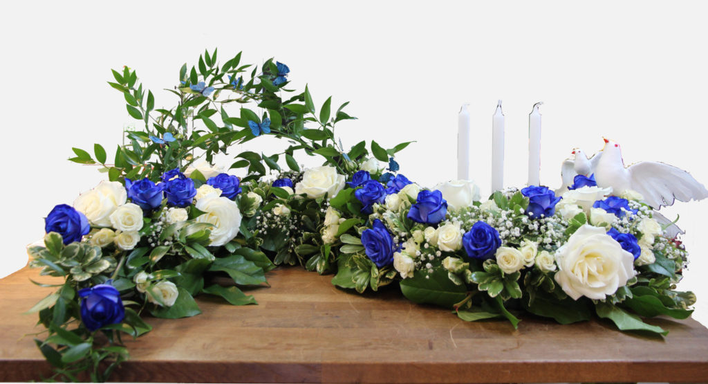 coussin d 39 urne en s blanc et bleu fleuriste marie antoinette. Black Bedroom Furniture Sets. Home Design Ideas
