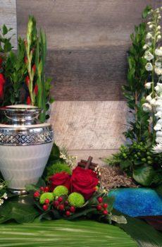 Coussin d'urne rouge et vert