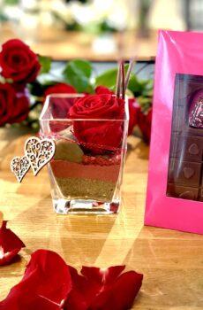 Duo rose éternelle et chocolat